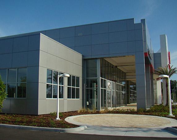 Exterior entrance of Sun Toyota