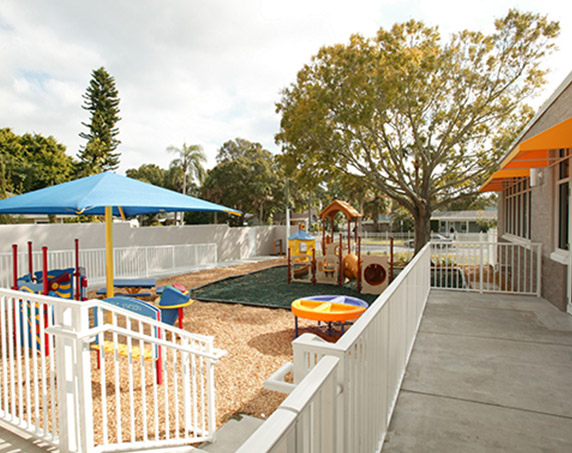 Outdoor playground area at PAR COSA