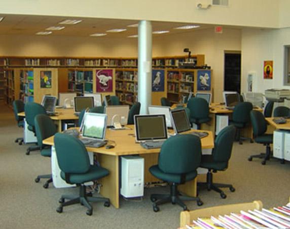 Computer lab at Tampa Catholic High School