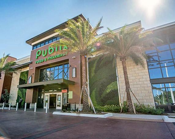 Exterior of Publix at Aventura Shops
