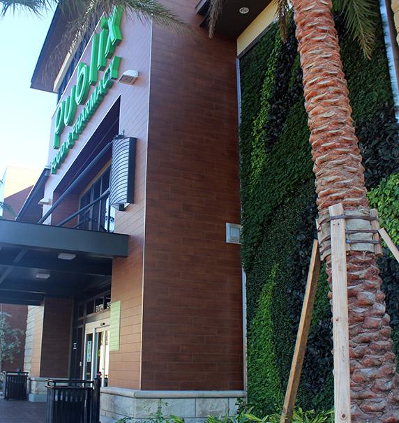 Close up exterior view of Publix at Aventura Shops