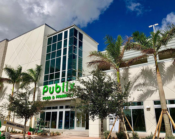 Exterior of Publix in Downtown Doral