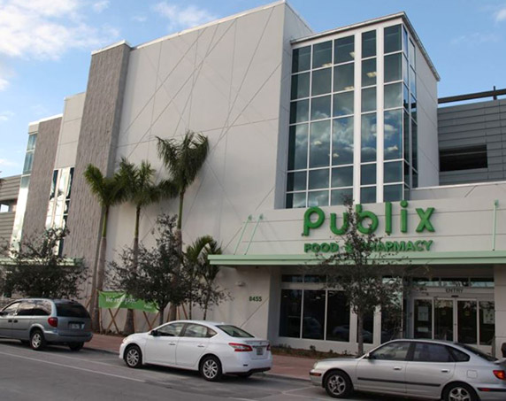 Storefront of Publix at Downtown Doral