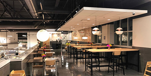 Cafeteria area in Publix at Trailwinds Village