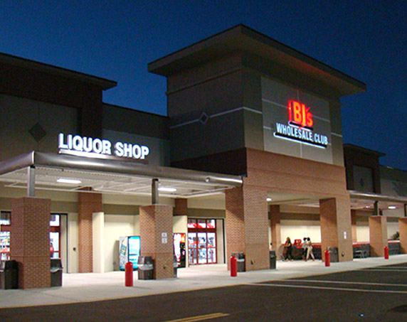 BJ's Wholesale Club storefront at The Plaza at Coral Springs II